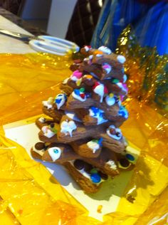 Gingerbread stars stacked on each other.. Delicious !!