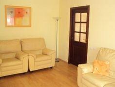Apartament 3 camere de inchiriat Drumul Taberei. #Imobiliare Bucuresti, vezi mai multe anunturi pe site www.anuntulimobiliar.ro Sofa, Couch, Mai, Restaurant, Furniture, Home Decor, Settee, Settee, Decoration Home