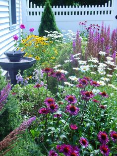 Mind Blowing Tips: Backyard Garden Inspiration Flower Beds diy garden layout.Cottage Garden Ideas She Sheds backyard garden inspiration tips. Flower Garden Design, Backyard Garden Design, Flower Gardening, Organic Gardening, Vegetable Gardening, Diy Garden, Lush Garden, Herb Garden, Gardening Tips
