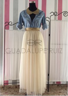 Boutique Guadalupe Ruiz.  Envíos a toda España •Camisa denim  •Falda tul •Colgante strass hecho a mano