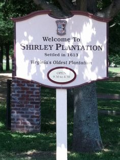 The Shirley Plantation in Charles City, Virginia. (my picture, 05/31/12)