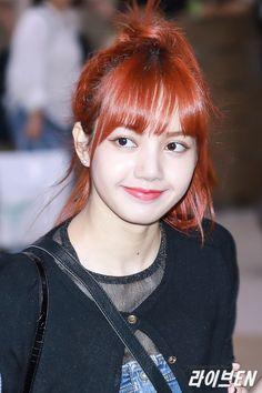 Hot Photo's of Lisa Blackpink Jennie Lisa, Blackpink Lisa, Lisa Chan, K Pop, Square Two, Kim Jisoo, Yg Entertainment, Hottest Photos, Korean Girl Groups