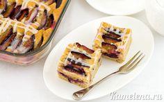Пирог со сливами и глазурью