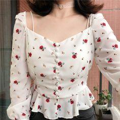Korean Girl Fashion, Korean Fashion Trends, Ulzzang Fashion, Aesthetic Fashion, Aesthetic Clothes, Stylish Outfits, Fashion Outfits, Moda Vintage, Crop Top Outfits