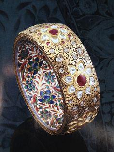 =>diamond gold bracelet that truly are Amazing India Jewelry, Jewelry Art, Antique Jewelry, Gold Jewelry, Vintage Jewelry, Fine Jewelry, Fashion Jewelry, Jewelry Design, Jewelry Rings