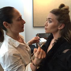 Exclusive: behind-the-scenes beauty how-to with Mary-Kate and Ashley Olsen from the 2015 Met Gala.