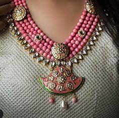 Coral Jewelry, Wedding Jewelry, Bead Jewellery, Beaded Jewelry, Wedding Jewellery Inspiration, Bollywood Jewelry, Jewelry Patterns, Necklace Designs, Indian Jewelry