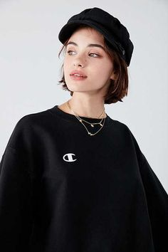 Shop Champion & UO Powerblend Crew-Neck Sweatshirt at Urban Outfitters today. We carry all the latest styles, colors and brands for you to choose from right here. Short Hair With Bangs, Hairstyles With Bangs, Short Hair Cuts, Short Hair Styles, Urban Outfitters Models, Hair Inspo, Hair Inspiration, Grunge Hair, Hair Looks
