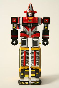 Popy's Chogokin Goggle V GB-76, turns into a yellow truck and was later reissued in the Etarnal [sic] Heroes Series. This bot's tie-in live-action show was part of the great three-decade lineage of Super Sentai TV series.