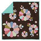 Dresden quilt - loose, multi-size arrangement of flowers with extra circles and leaves to fill in blank space
