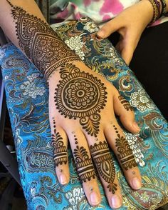 Top Latest & Simple Arabic Mehndi Designs for Hands & Legs - Henna designs hand - Henna Hand Designs, Mehndi Designs Finger, Mehndi Designs Book, Simple Arabic Mehndi Designs, Mehndi Designs For Girls, Mehndi Designs For Beginners, Modern Mehndi Designs, Mehndi Design Pictures, Mehndi Designs For Fingers