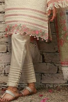 Kurti Sleeves Design, Sleeves Designs For Dresses, Dress Neck Designs, Sleeve Designs, Blouse Designs, Salwar Designs, Kurta Designs Women, Kurti Designs Party Wear, Stylish Dresses For Girls
