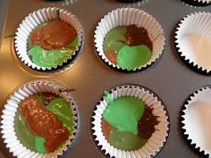 Camo cupcakes- my dad woulda gotten a kick out of these