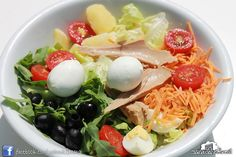 Insalatona (insalata, rucola, pomodorini ciliegia, carote, tonno, mozzarella di bufala, olive, patate, uova) #casinadelbosco#salad #italianfood Seguici: www.facebook.com/casinadelbosco