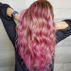 """525 curtidas, 15 comentários - Color Rainbow Hair Los Angeles (@hairhunter) no Instagram: """"ROSE GOLD PRO TIP!!!! When a client asks for a rose gold of any kind, I always ask them to show…"""""""