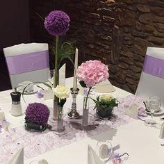 #weddingdeko #deko #lila #flieder #lavender #deko.styleandmore #celebratingmoments #allium #hortensie #rose #hochzeit #hochzeitsdeko #dekoidee Wedding Decorations, Table Decorations, Wedding Ideas, Wedding Reception Tables, Wedding Pinterest, Gray Weddings, Event Planning, Floral Arrangements, Wedding Photography
