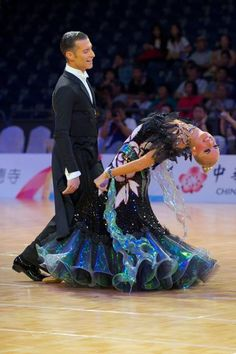 Top balance! They did a throw away and he walked away. This is what you called balance. Love this #dance #ballroom #stijldansen