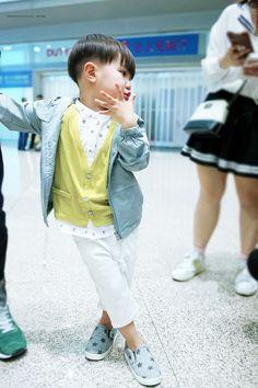 Kids fashion For 10 Year Olds Signs - Kids fashion Boy Handm - - Kids fashion Videos Gowns - - Black Kids Fashion, Cute Kids Fashion, Boy Fashion, Fashion Spring, Fashion 2020, Korean Fashion, Korean Babies, Asian Babies, Kids Fashion Photography