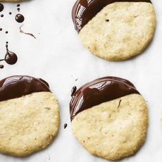 Try our cobnut and chocolate shortbreads recipe. This chocolate shortbread recipe is a teatime favourite. These easy biscutis are perfect shortbread cookies Chocolate Shortbread Recipe, Shortbread Recipes, Cookie Recipes, Best Ever Biscuit Recipe, Peanut Butter Thumbprint Cookies, Quick Biscuits, Tea Time Snacks, Great British Bake Off, Biscuit Cookies