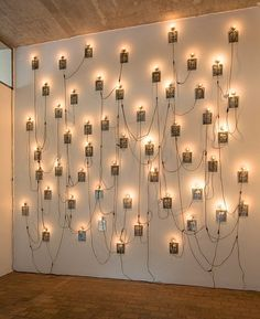 Unknown artist - De Pont museum, pinned for its use of light to represent souls Photography Exhibition, Photography Projects, Art Photography, Exhibition Display, Exhibition Space, Modern Art, Contemporary Art, Pompidou Paris, Instalation Art