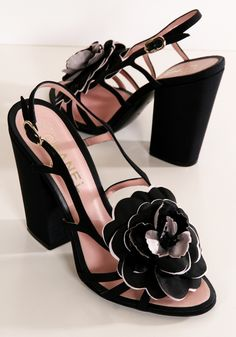 Chanel ~ Black Leather Sandals w/ a 4 1/2 inch Heel and Black & White Fabric Flower.