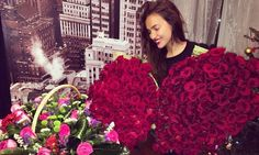 Russian model Irina Shayk gifted with bouquets of red roses to celebrate her 29th birthday. Perhaps a surprise from footballer boyfriend Cristiano Ronaldo?