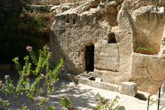 The Garden Tomb is also a Church of the Holy Spririt. Jesus' burial in Jerusalem. It was discovered in 1867.
