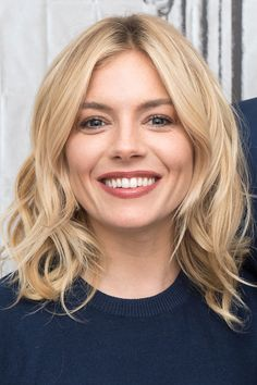 Where: The AOL Build Speaker Series, 2016 The style: The actress proved that the 'lob' can be just as chic as a choppy bob. - HarpersBAZAAR.co.uk