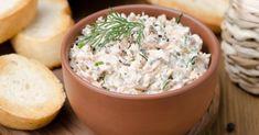 Recette de Rillettes au fromage blanc 0% et fines herbes aux restes de saumon. Facile et rapide à réaliser, goûteuse et diététique.