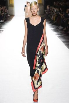 Wedding Guest Or Relative Gown That Is Simple Yet Full Of Elegant Touches Driesvannoten Fashion