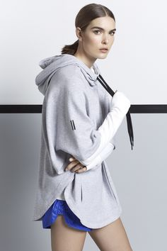 Trendy Gym Wear For Women : Our active range toughens up for the outdoors with puffer jackets lightweight a Sport Fashion, Fitness Fashion, Girl Fashion, Jackets For Women, Clothes For Women, Sports Luxe, Fashion Gallery, Gym Wear, Sport Wear