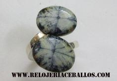 sortija tu y yo con plata y quiastolita, la piedra del Camino de Santiago, o bien llamada piedra Cruz que se encuentra en Asturias