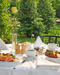 Once the weather warms up, take your breakfast out to one of the patios for a gardenside meal.