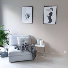 Samarbeid med Jotun | God morgen ♡ Fargen på veggen er @jotunlady sin 10580 Soft Skin ♡ Jeg har malt veggen med Jotun sin Pure colour, som… Living Room, Room, House, Colours, House Inspiration, New Homes, Home Decor, Inspiration, Bedroom
