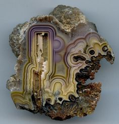 mineral-matter: beautiful agate (not my photo) Minerals And Gemstones, Rocks And Minerals, Crystal Magic, Beautiful Rocks, Rocks And Gems, Stones And Crystals, Gem Stones, Bunt, Healing Stones