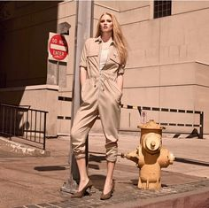 SKVFASHION South African fashion trends and online accessories and fashion! Bringing you all the best for your style needs! Lara Stone, Fashion Jumpsuits, Nude Outfits, South African Fashion, Split Skirt, Modest Skirts, Peter Lindbergh, Spring Trends, Baby Born