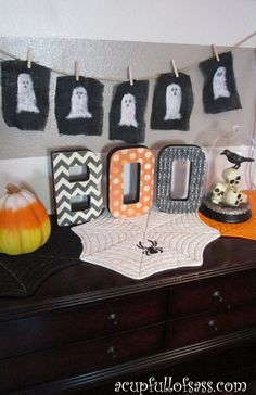 Mod Podge BOO letters.  DIY Halloween Decoration