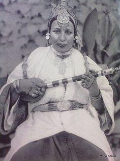 • RAÏSSA • chanteuse berbère • Marrakech, 1926