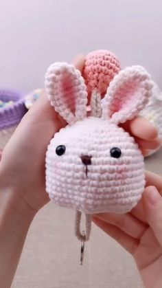 Crochet Doll Tutorial, Crochet Doll Pattern, Crochet Patterns Amigurumi, Crochet Dolls, Knitting Patterns, Kawaii Crochet, Cute Crochet, Crochet Crafts, Crochet Projects
