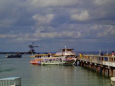 barcos para ilha de maré, salvador, bahia, brazil. www.vanezacomz.blogspot.com.br
