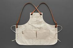 nice in canvas Chef Dress, Work Aprons, Sewing Circles, Chest Rig, Leather Apron, Sewing Aprons, Apron Designs, Sewing For Beginners, Leather Accessories