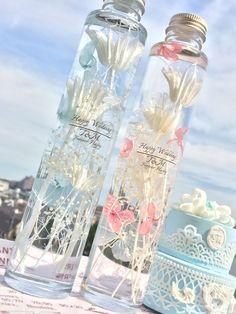 ハーバリウム、ウェディングボトル Cute Water Bottles, Bottles And Jars, Cute Backpacks For School, Flower Bottle, Kids Clothes Sale, Floating Flowers, How To Preserve Flowers, Paint Colors For Home, Pretty Wallpapers