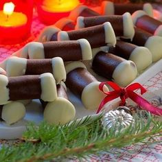 Pepparkaksdammsugare - Hemmets Journal Nordic Christmas, Christmas Candy, Christmas Desserts, Christmas Treats, Christmas Baking, Christmas Time, Bagan, Scandinavian Food, Baked Bakery