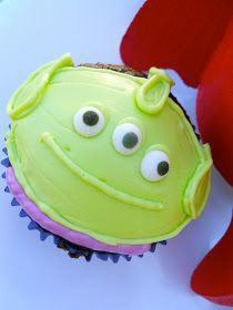 Alien cupcakes: Toy Story Birthday