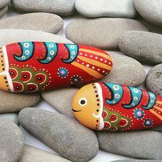 Kırmızı balık #taşboyama#balık #homeaccessories #handmade #stone #hediyelik…