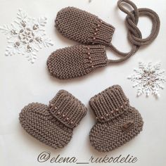 Baby Girl Sandals, Girls Sandals, Baby Knitting, Crochet Baby, Baby Shower Hamper, Baby Flip Flops, Knit Baby Dress, Baby Boots, Crib Shoes