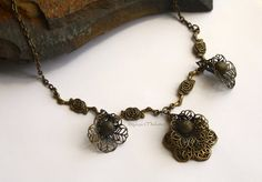 Margaery Tyrell Cosplay Bronze Rose Necklace  I made this cosplay replica based on the stunning bronze flower necklace worn by Margery Tyrell in
