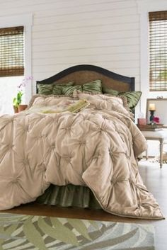 Soft Surroundings Lombardi Smocked Coverlet
