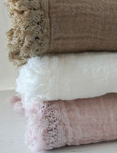 Neutral-low color Photo, simplicity in colors and in textures, for product photo