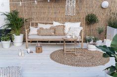 Outdoor Sofa, Outdoor Furniture Sets, Outdoor Decor, Interior Garden, Balcony Design, Outside Living, White Gardens, Terrace Garden, Bohemian Decor